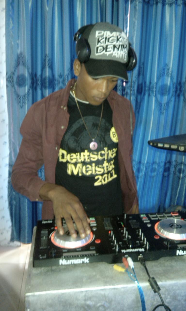 DJ DAMZY